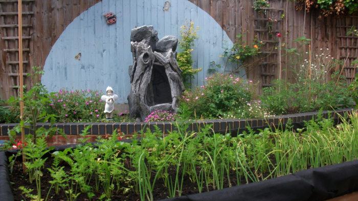 Livability Kenway Court outside garden